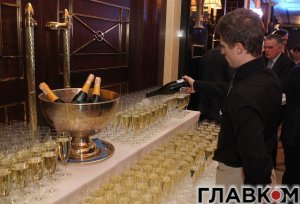 Шампанское по 1000 долларов за бутылку