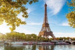 Учитель младших классов завтракает в Париже. Спасибо Сухомлину и Порошенко