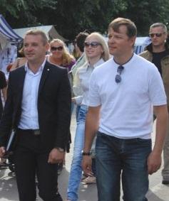 Ранее судимые вор и мошенники, Ляшко и Смычёк, пригласили в свою кампанию регионала