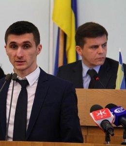 транспортный преступник Ткачук (БПП) на фоне своего шефа